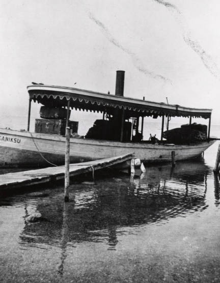 "Image of Steamboat ""Kaniksu"" at dock."