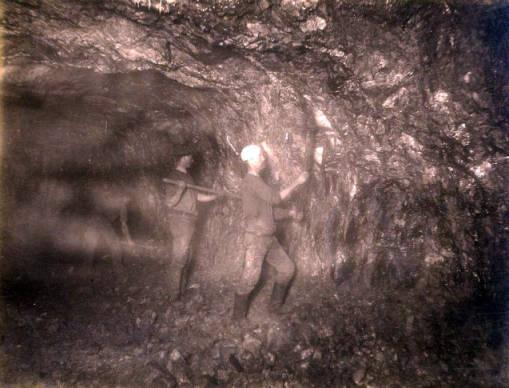 Image of Anaconda Mine 900 ft. level West [no. 1173]